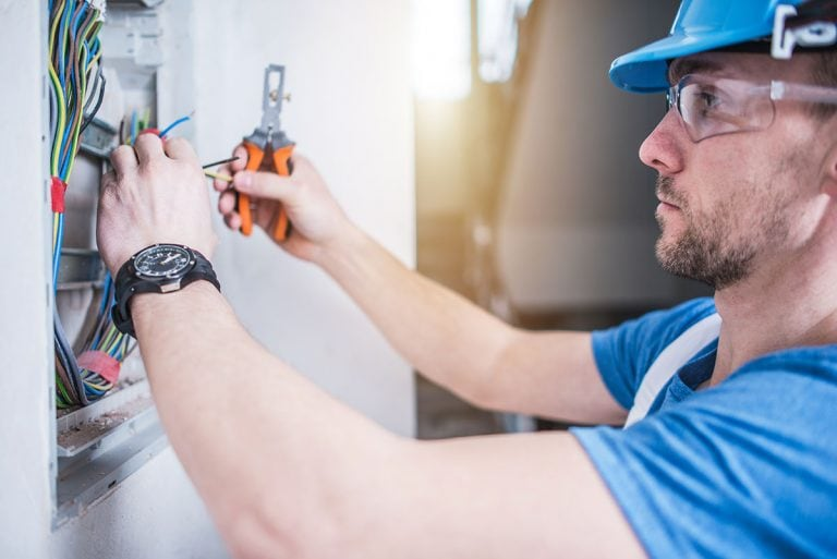 Tips on Finding the Best Electrical Subcontractor for Your Project